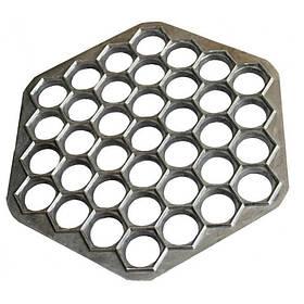 Пельменница форма алюминевая 37 отверстий