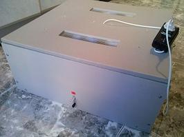 Инкубатор бытовой автоматический «Новая Птица» НПАЦ-46 на 46 яиц (цифровой терморегулятор)