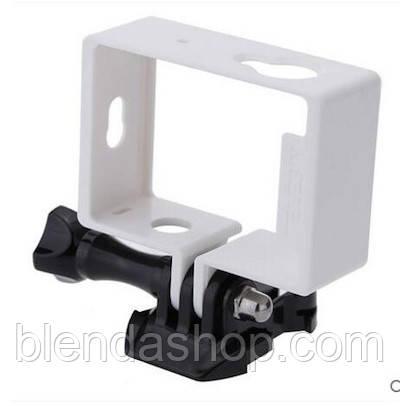 Рамка для экшн камер Xiaomi YI с переходником на стандартные крепления - белая (код № XTGP233)