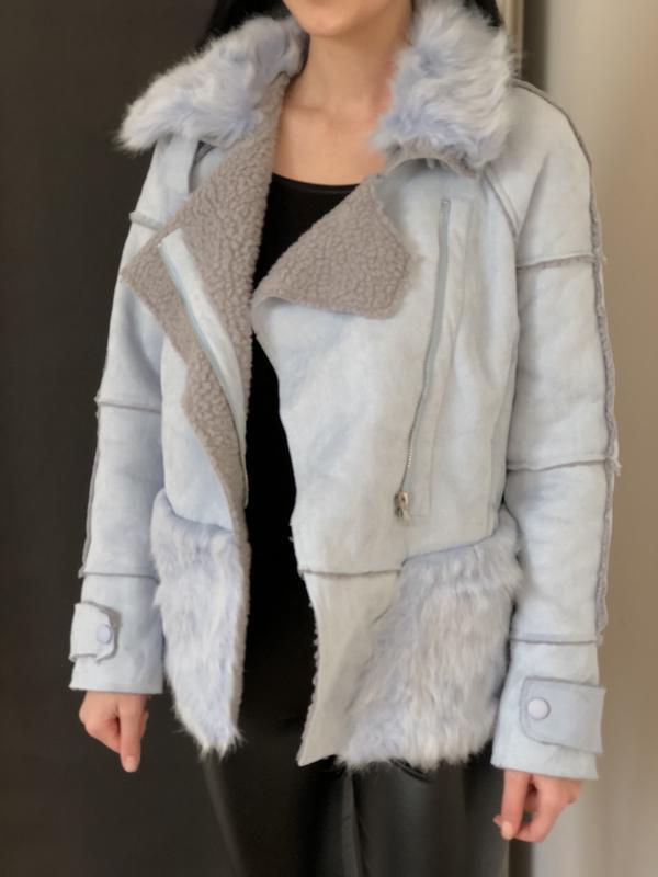 Женская синяя куртка с мехом - дубленка с мехом
