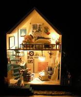 Деревянный домик с мебелью, фото 1