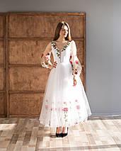 Біла вечірня сукня з вишивкою, фото 3