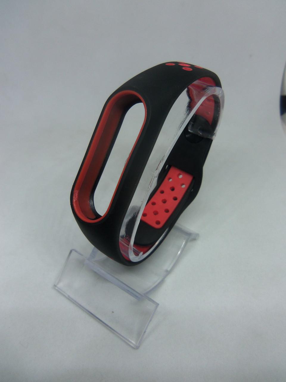 Перфорированный ремешок Sport браслет на Mi Band 2/ми бенд 2 черно-красный