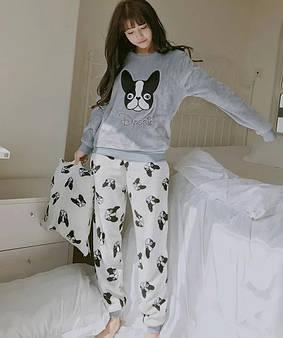 Пижамы и домашние костюмы