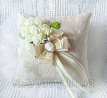 Свадебная подушечка для обручальных колец шебби-шик айвори (молочная) эксклюзивная с цветами и камеей