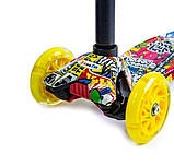Самокат трехколесный детский Maxi светящиеся колеса принт Inscription, фото 2