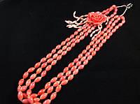 Бусы из розового коралла, в 3-и ряда с розой