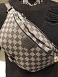 Мужская сумка мессенджер бананка Louis Vuitton серая с черным. Живое фото (Реплика ААА+), фото 2