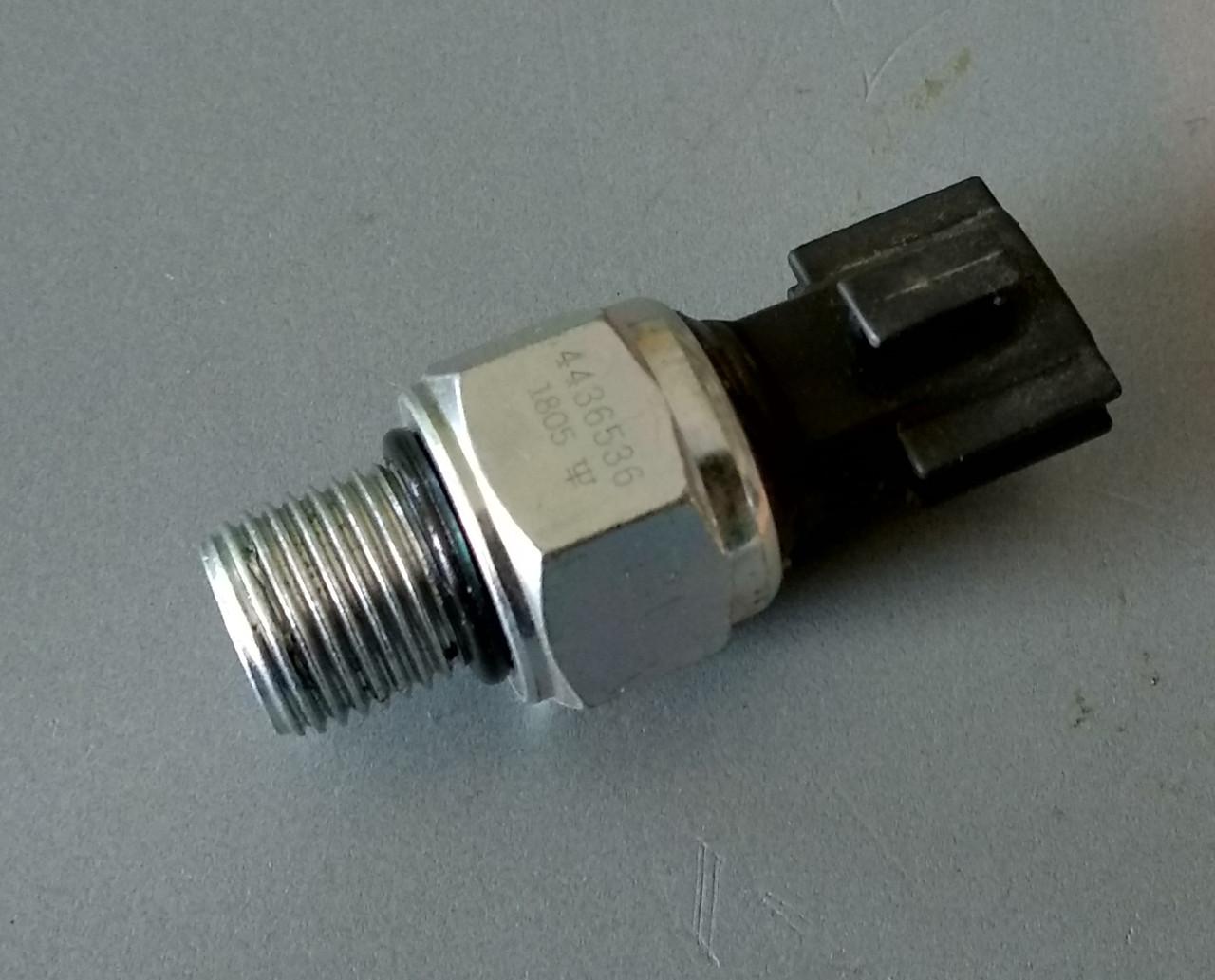 4436536 Датчик давления масла в гидросистеме HITACHI