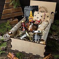 Вкусный подарочный набор для мужчины Брутальный Gourmet Box в деревянной коробке с местом для бутылки алкоголя