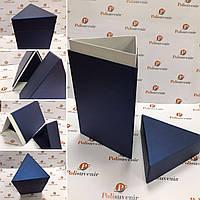Стильна коробка-трикутник для квітів сувенірів та подарунків, фото 1