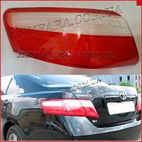 Стекло заднего фонаря Toyota Camry 40 2006-2008 наружное левое-правое