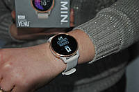 Новые спортивные часы Garmin Venu Light Sand/Gold