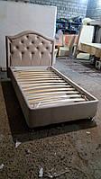 Кровать с мягким изголовьем и подъемным механизмом  односпальная.