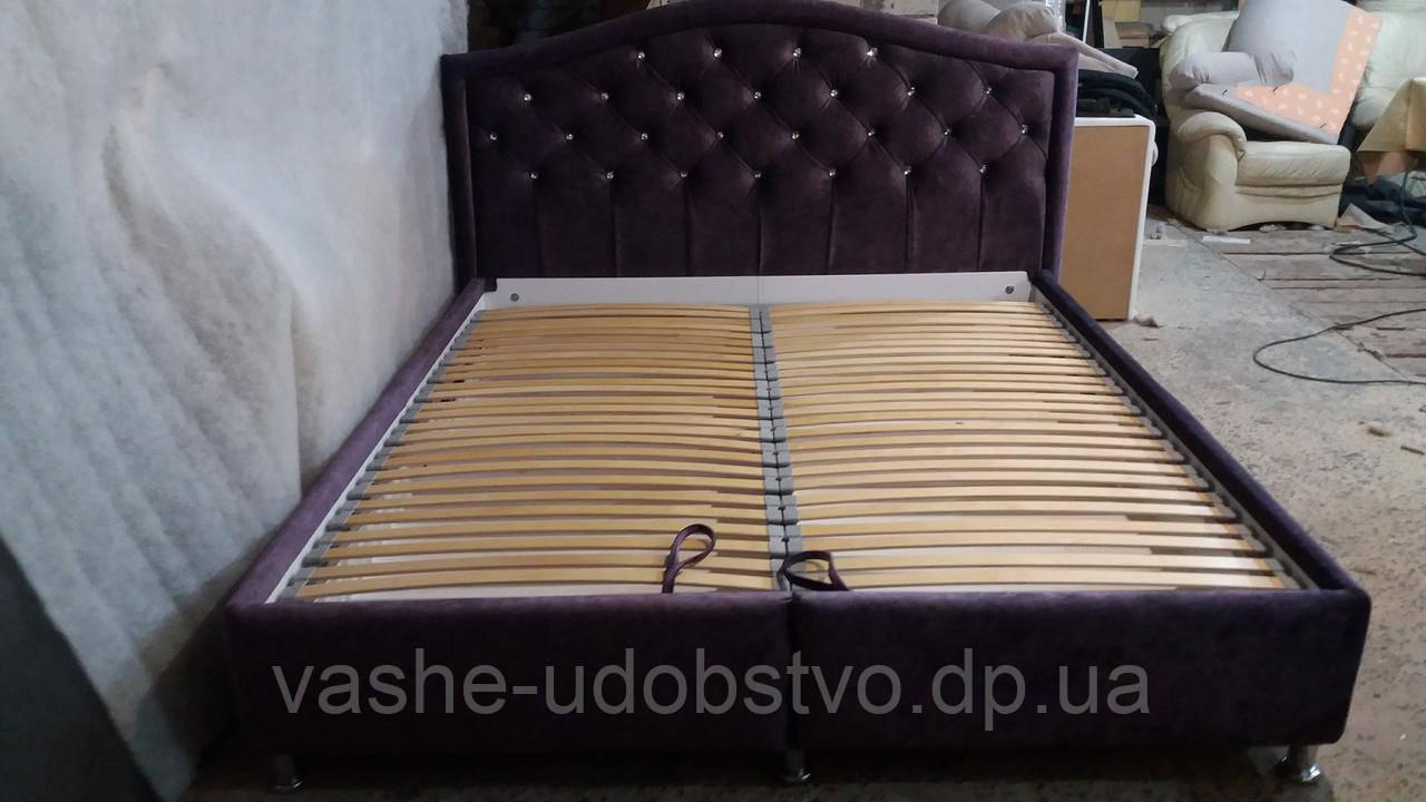 Ліжко з м'яким узголів'ям та підйомним механізмом 180*200