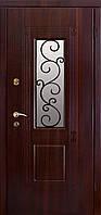 Входные двери в дом темный орех