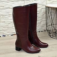 Сапоги демисезонные кожаные на невысоком каблуке, декорированы вставками из лаковой кожи. 37 размер