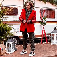 Женская куртка из экомеха на пуговицах красная, фото 1