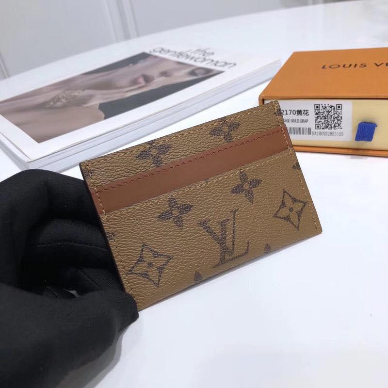 Кожаная карточница Louis Vuitton