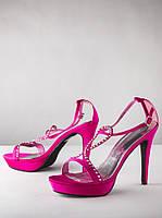 Розовые босоножки Johnathan Kayne
