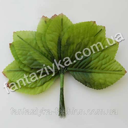 Листики розы крупные зеленые, в пучке 12 штук