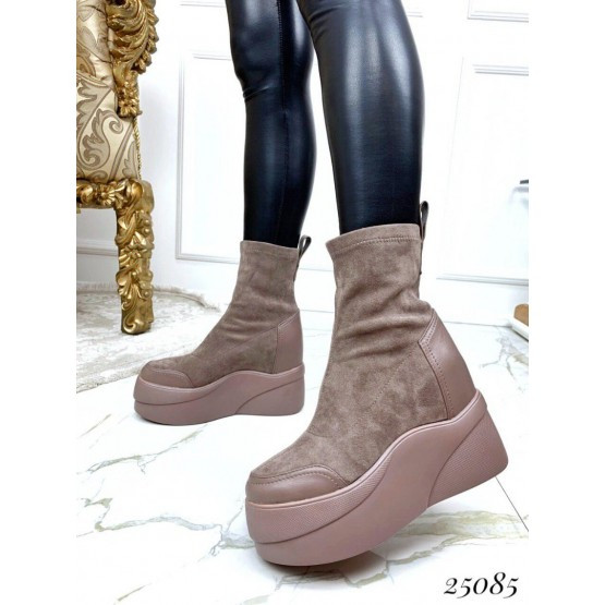Женские ботинки бежевые пудра демисезонные замшевые на танкетке эко-замш на флисе, жіночі замшеві бежеві