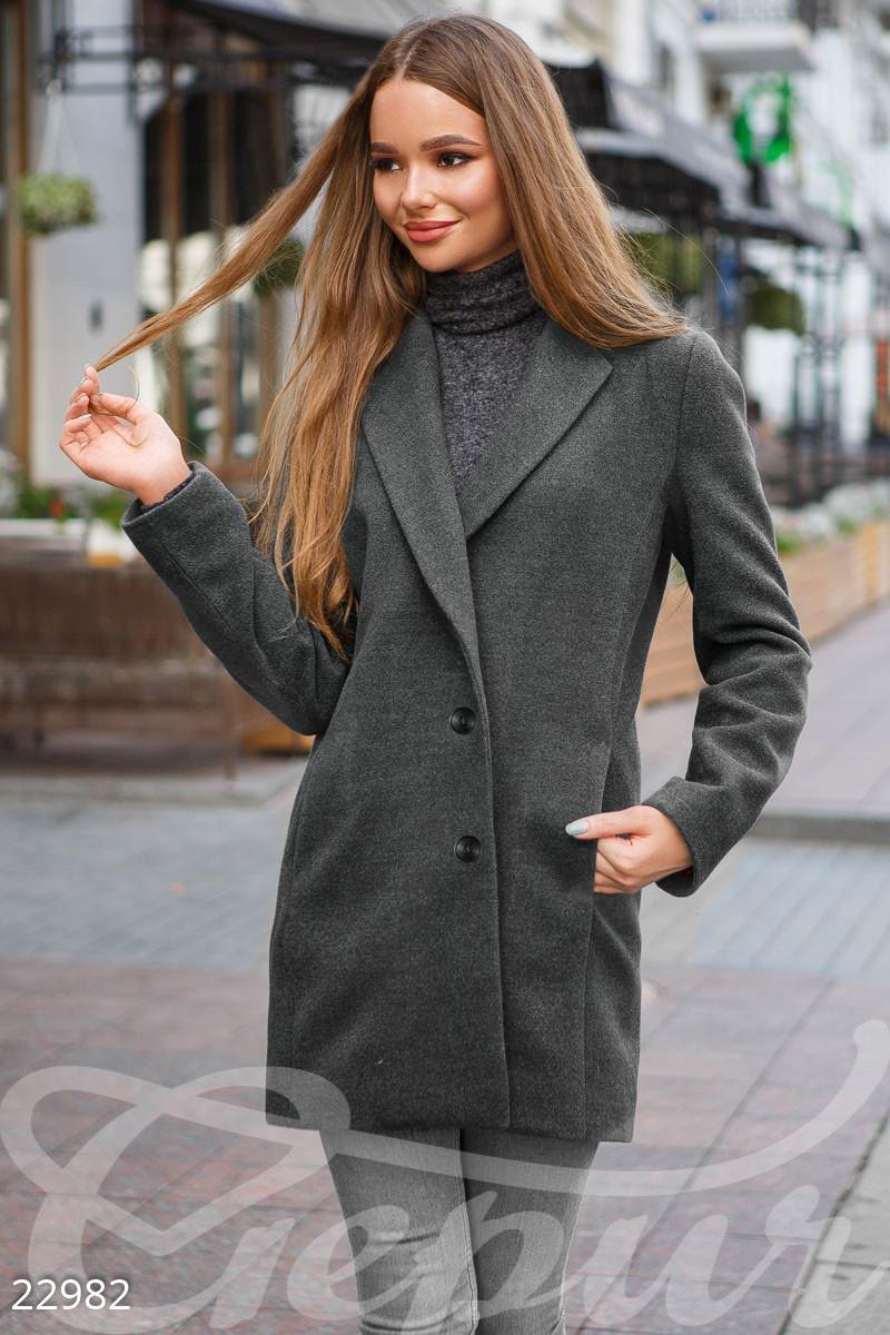 Короткое демисезонное пальто серое