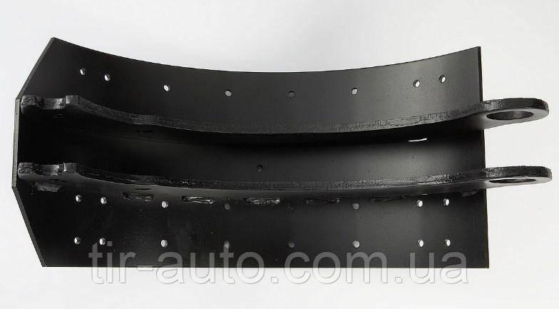 Колодка барабанная TRAILOR, FRUEHAUF 419x203 WVA19557 D отверстия под заклепку 5,15 мм с роликом ( 77790CNT )