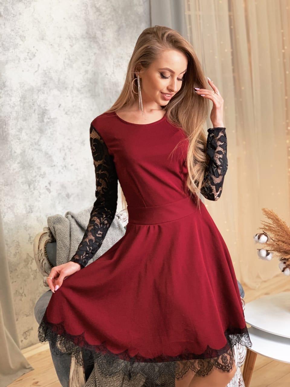 Платье с расклешенной юбкой и гипюровой спинкой tez4103709