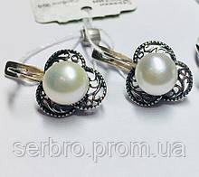 Срібні сережки з білим перлами у формі квітки Жюстін