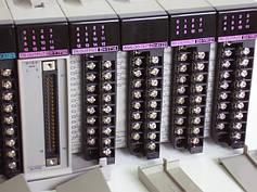 Программируемые промышленные контроллеры Hitachi