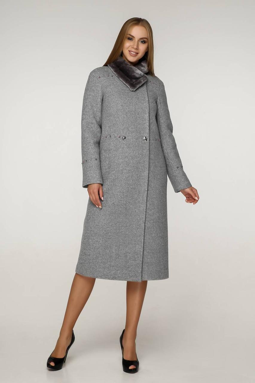 Зимове шерстяне пальто з бусинами