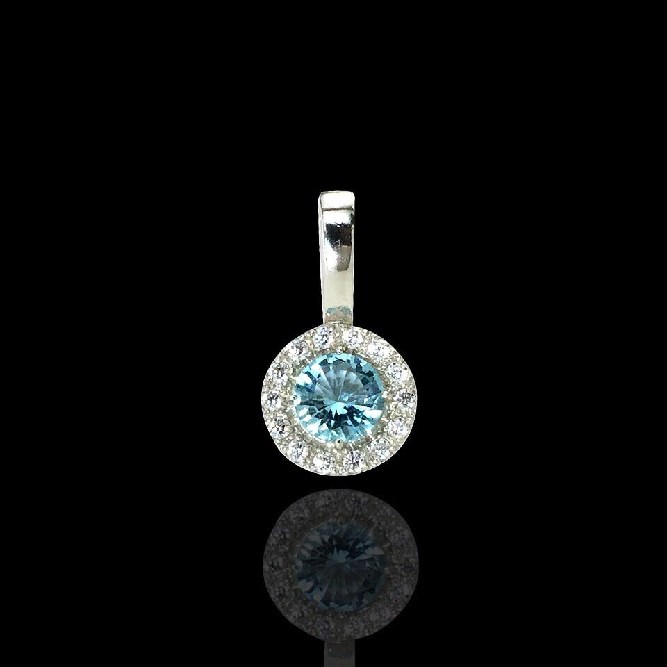 Серебряная подвеска с голубым камнем