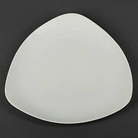 Тарелка фарфоровая треугольная мелкая 300 мм.
