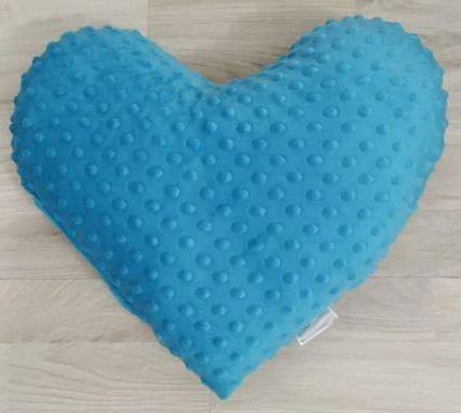 Подушка плюшевая голубая Сердце 40х40 см