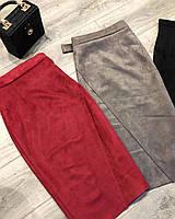 Стильная миди юбка с имитацией запаха из плотного замша