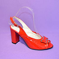 Босоножки женские красные лаковые на каблуке, фото 1