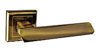 Дверные ручки на квадратной розетке BRILLANTI Z-112 AB (античная бронза)
