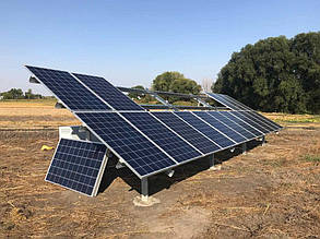 """Монтаж солнечных батарей """"Лептон"""" на ферму."""