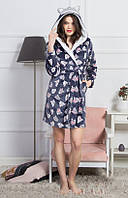 Женский халат  с изображением симпатичных пушистых зверьков