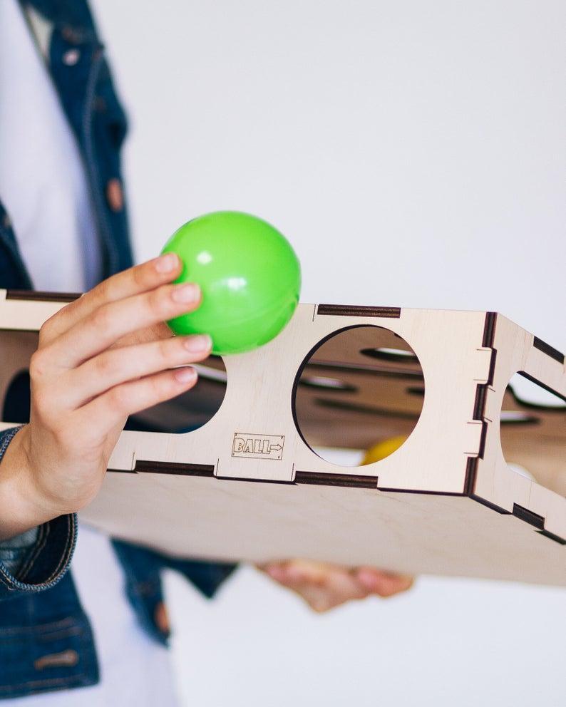 Игрушка для кота,деревянная коробка для кота с мячиком внутри 2