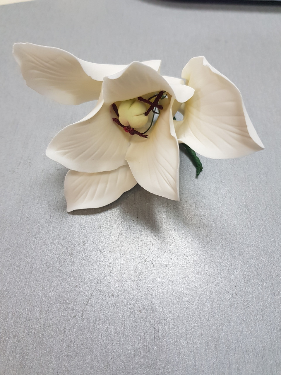 "Авторский цветок "" Лилия белая"" d150 Украина -03123"
