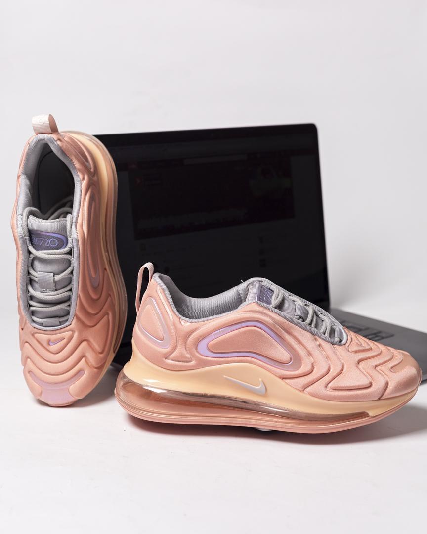 Кроссовки женские в стиле Nike Air Max 720