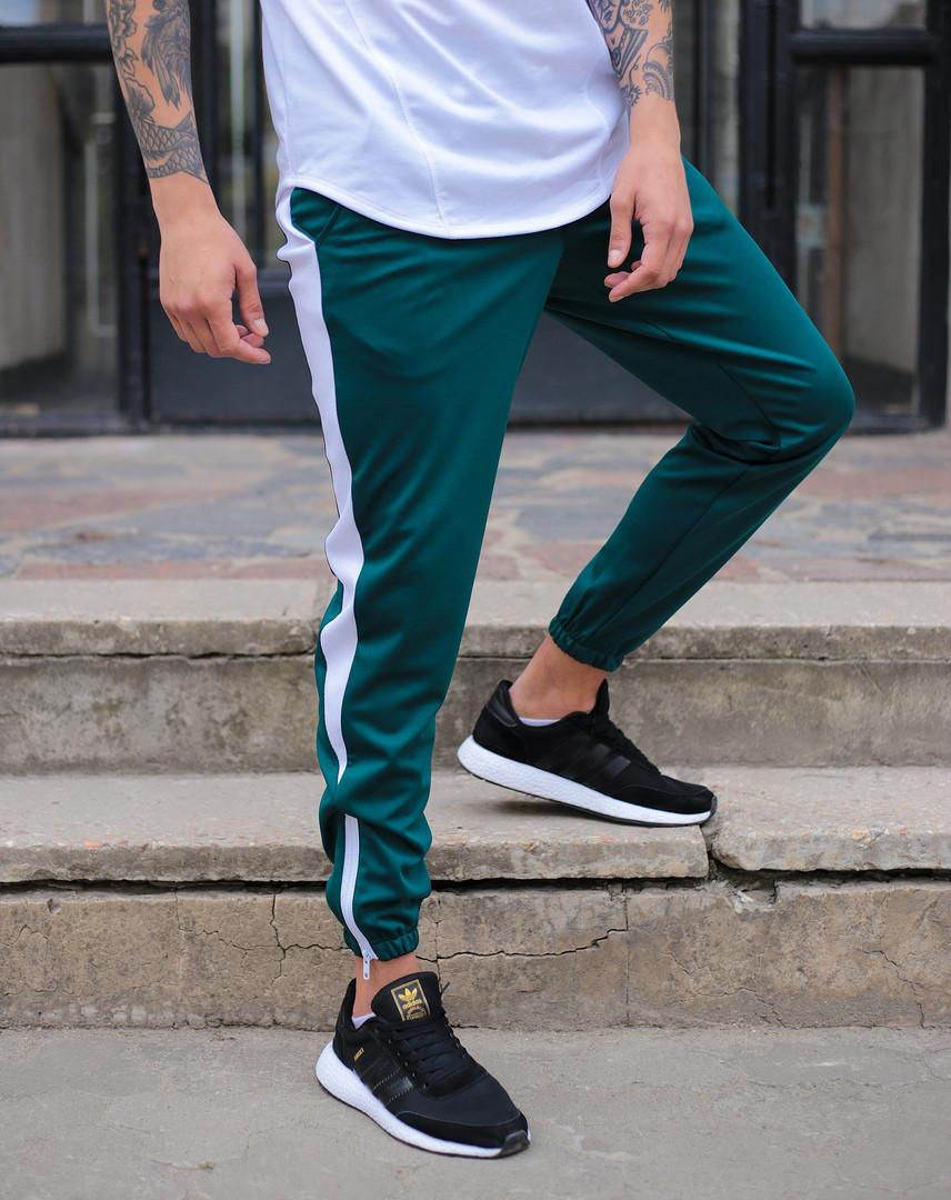 Мужские спортивные штаны зеленые с белой полосой,модель Рокки
