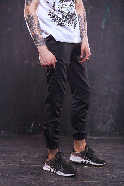 Мужские спортивные штаны черные, модель Рокки