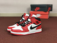Женские кроссовки Nike Air Jordan 1 Retro белые с красным