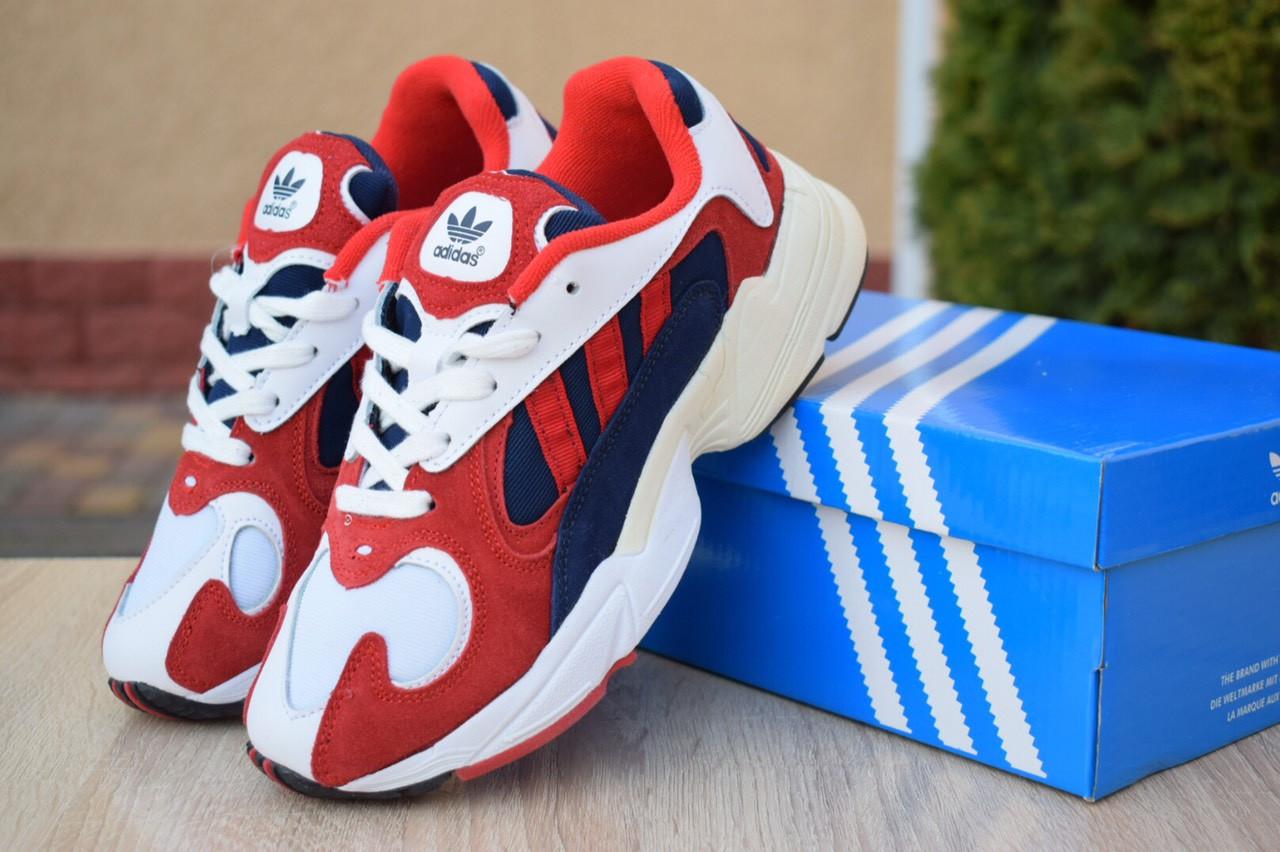 Кроссовки женские Adidas Yung белые с красным и синим
