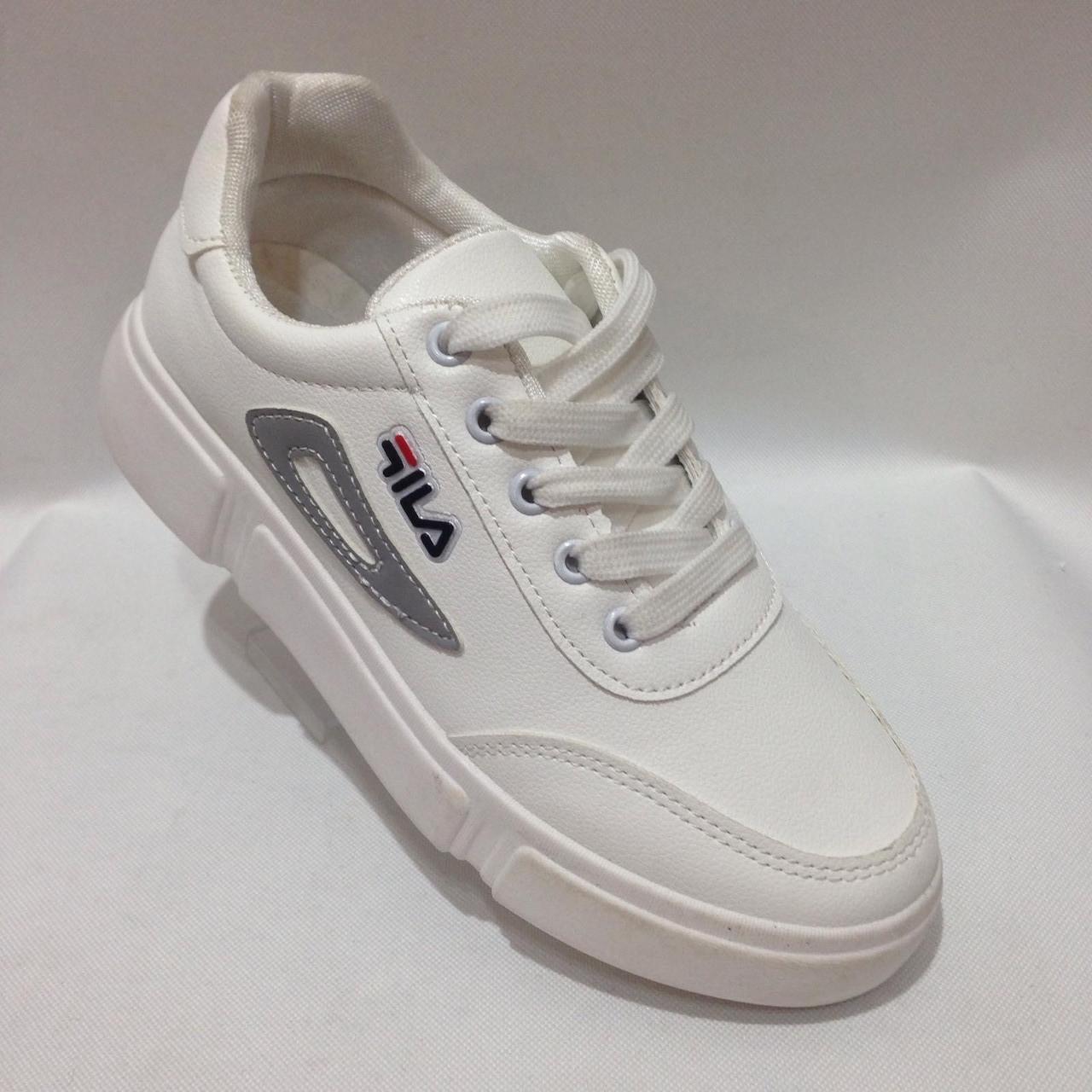 Кроссовки в стиле FILA 38 р. последняя пара модные белые