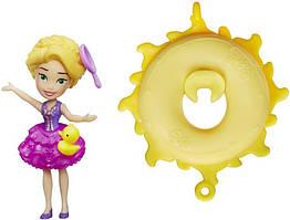 Мини-кукла Принцессы Дисней Рапунцель плавающая на круге. Оригинал Hasbro B8938/B8966
