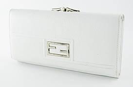 Стильный женский кожаный кошелек Fran Diar  белого цвета с внешней металлической рамкой (FD087-02C)